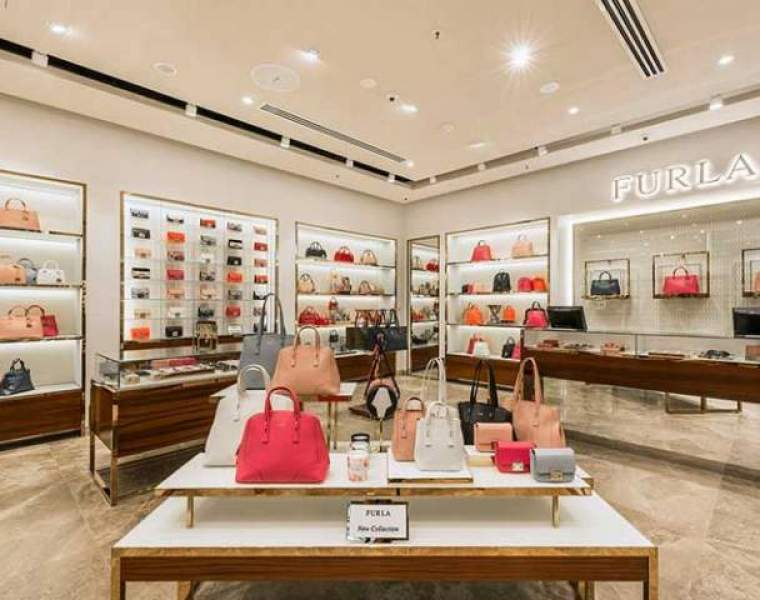 Furla buys back its distribution network in Australia